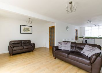 Thumbnail 3 bed property to rent in Cottingham Road, Oval