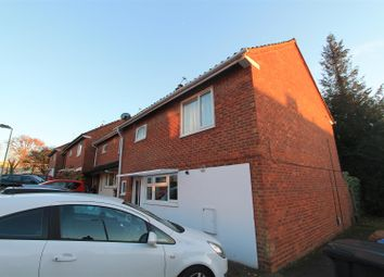 Thumbnail 6 bed property to rent in Broom Close, Hatfield