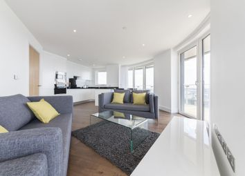 3 bed flat to rent in Gateway Tower, 28 Western Gateway, Royal Victoria, London, London E16
