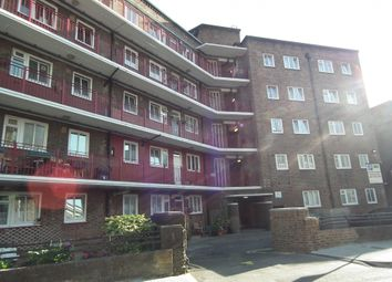 Thumbnail 3 bed flat to rent in Newcomen Street, London