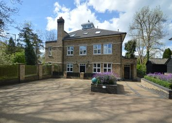 Thumbnail 3 bed flat to rent in Amersham Road, Hazlemere, High Wycombe