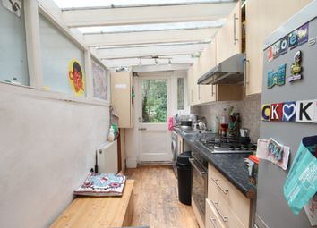 Thumbnail 4 bed flat to rent in Huddleston Road, Tufnell Park