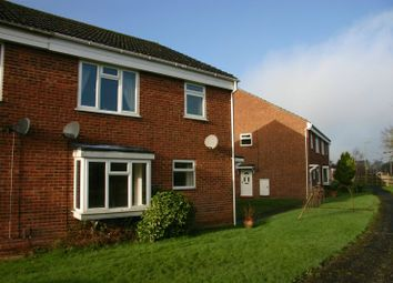 Thumbnail 2 bedroom maisonette to rent in Glebe Court, Botley, Southampton