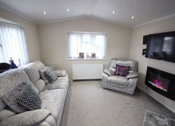 Thumbnail 2 bedroom detached house for sale in Stopsley Mobile Home Park, St. Thomas's Road, Luton