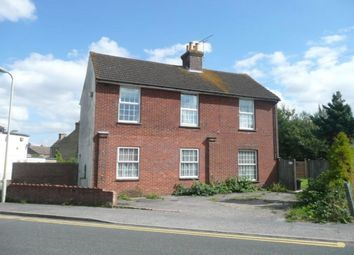 Thumbnail 1 bed flat to rent in Gladstone Road, Willesborough, Ashford