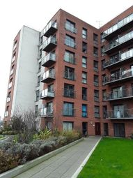 2 bed flat to rent in Broughton Lane, Salford M7