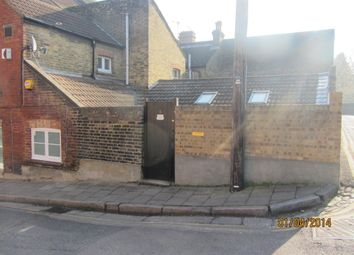 Thumbnail 2 bed flat to rent in Bingley Road, Rochester, Kent