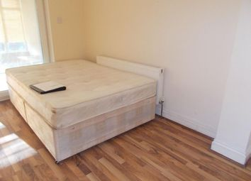 Thumbnail 2 bed flat to rent in Hilltop Garden, Hendon
