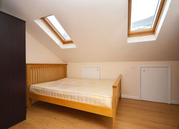 1 bed property to rent in Steels Lane, (Double Room), Limehouse, London E1