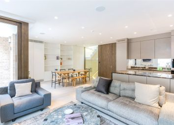 Thumbnail 3 bed mews house to rent in Clay Street, Marylebone, London