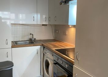 Thumbnail Studio to rent in 109A High Road, Woodgreen