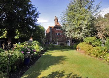 Thumbnail 3 bedroom detached house for sale in London Road, Tunbridge Wells