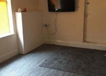 Thumbnail 2 bedroom flat to rent in High Road, Willenhall WV124Jn