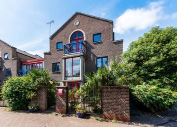 Thumbnail 5 bed terraced house to rent in Peartree Lane, Wapping