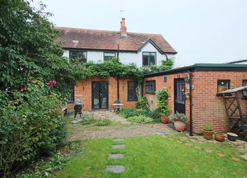 Thumbnail 2 bed cottage for sale in Thames Avenue, Pangbourne, Reading