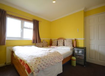 Thumbnail Room to rent in Eldart Close, Tilehurst, Reading