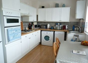 Thumbnail 3 bedroom flat to rent in Longridge Avenue, Brighton