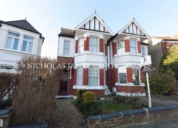 2 bed flat to rent in Conway Road, Southgate, London N14