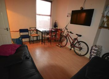 Thumbnail 8 bed property to rent in Hessle Place, Hyde Park, Leeds