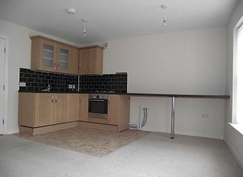 Thumbnail 2 bed flat to rent in 12B High Street, Neston, Cheshire