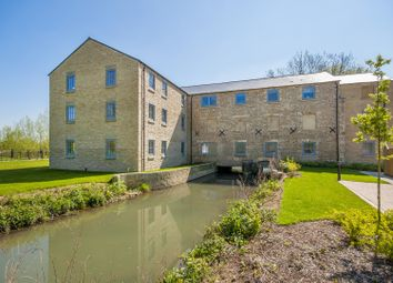 Thumbnail 1 bed flat to rent in Witan Way, Witney