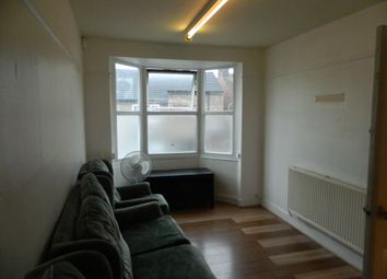 Thumbnail 3 bed flat to rent in Letchworth Road, Luton