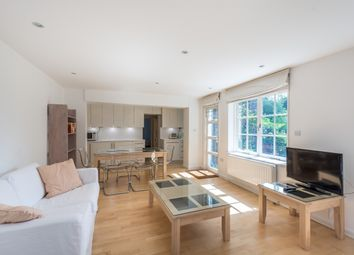 Thumbnail 3 bedroom flat to rent in Alwyne Road, London