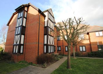 Thumbnail 2 bed flat to rent in Leafield, Luton