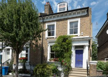 Thumbnail 4 bed property to rent in Sutherland Square, London