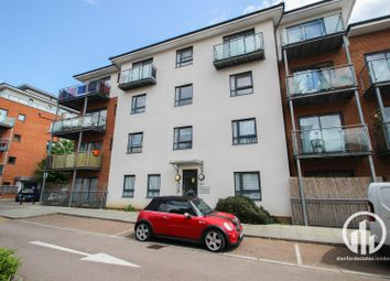Thumbnail 2 bed flat for sale in Oakwood Close, London