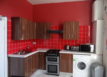 Thumbnail 4 bed flat to rent in Mansfield Road, Nottingham
