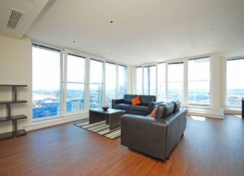3 bed flat to rent in Oxygen Apartments, Royal Docks, London E16