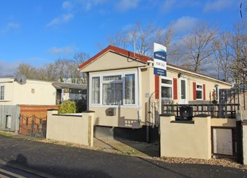 Thumbnail 2 bed mobile/park home for sale in Lyndene Road, Foxhall Manor Park, Didcot