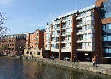 Thumbnail 2 bed flat to rent in Kings Reach Court, Crane Wharf, Reading, Berkshire