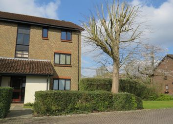 Thumbnail Flat to rent in Rickwood, Horley