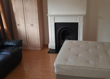Thumbnail Room to rent in Longcroft, Mottingham SE9, London,