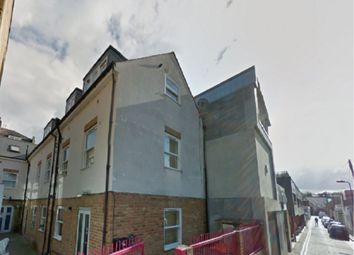 Thumbnail 2 bed flat to rent in Clarence Mews, Hackney