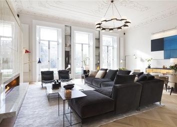 Queen's Gate Gardens, South Kensington, London SW7.. 2 bed flat for sale