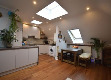 2 bed flat for sale in Temple Road, Epsom KT19