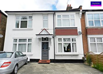 Thumbnail 1 bed flat to rent in Sidney Avenue, Palmers Green