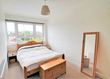 Thumbnail 3 bed flat to rent in East Hill, Oxted