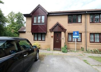 2 bed property to rent in Gurney Close, Aylesbury HP20