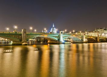 Thumbnail 1 bed flat for sale in Gainsborough House, Blackfriars, London