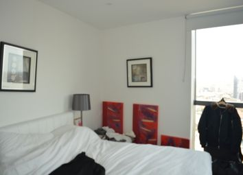 Thumbnail 2 bed flat for sale in Canary Wharf, London