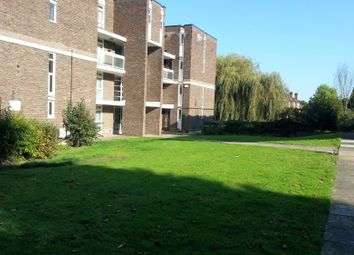 Thumbnail 3 bed flat to rent in Gordon Road, Finchley, London