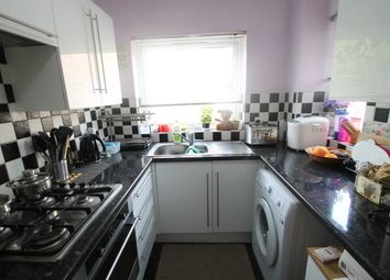 Thumbnail 1 bed flat to rent in Beckenham Grove, Shortlands, Bromley