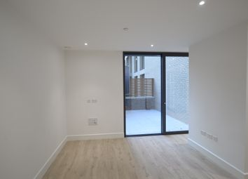 Thumbnail Studio to rent in 17 Stable Walk, London