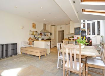 Thumbnail 6 bed terraced house to rent in Beauval Road, London