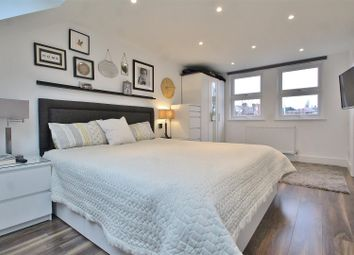 4 bed property for sale in Hartham Road, Isleworth TW7