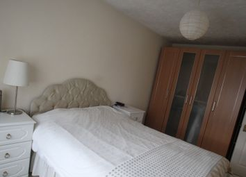 Thumbnail Room to rent in Weavers Way, London